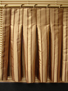 Inverted or Box Pleat