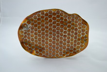 Honeycomb pattern plate