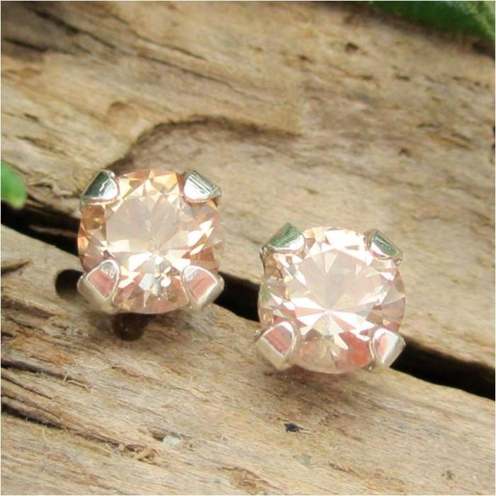 Tan Topaz Stud Earrings, Small 4mm Lot 1