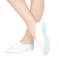 This split-sole gymnastics shoe features an upper that is made from a soft, durable leather and fits snugly to the foot due to the elastic gore insert. The sole has padding inside and a high quality flexible 3mm rubber on the bottom for traction when vaulting or tumbling.