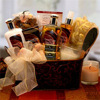 Caramel & CrÌ´åme Bliss Spa Gift Basket