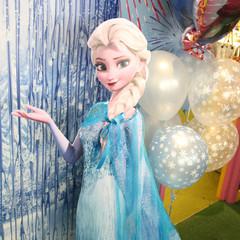 [SALE] Standee, Elsa