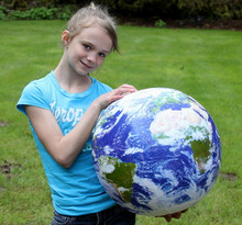 """24"""" Inflatable """"ASTRONAUTS VIEW"""" Earth Globe w/Clouds"""