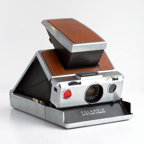 Kết quả hình ảnh cho Polaroid SX-70 Land Camera