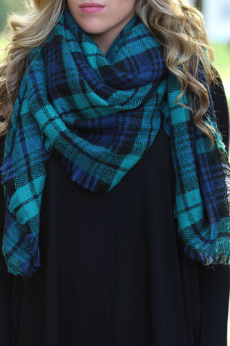 Time & Time Again Blanket Scarf: Navy/Green