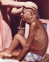 "Srila Prabhupada Photo, Receiving Massage, 5""x7"""
