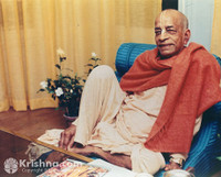 "Srila Prabhupada Photo, Relaxing on a Blue Seat, 8""x10"""