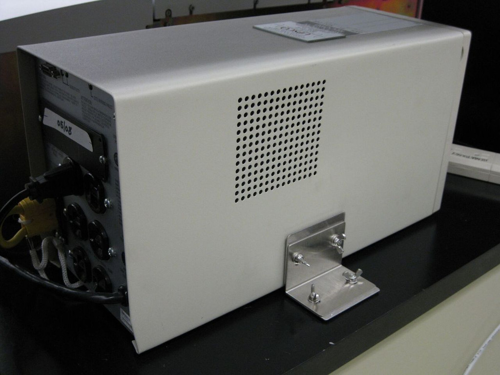 "Lab Countertop ""L"" bracket"
