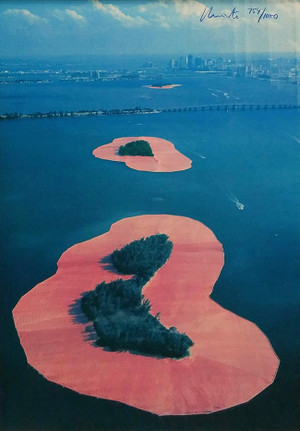 SURROUNDED ISLANDS BY CHRISTO