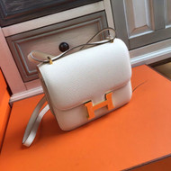 Hermes 10 Craie Constance Epsom leather 18cm Gold Hardware