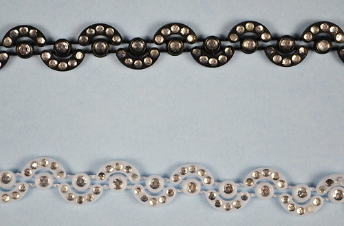 SS6 2.1 mm Plastic Trimming Chain with Rhinestones 10 Yards Long 1