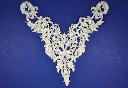 "9"" x 10"" White Venise Lace Applique - Pack of 25 Venice Lace Appliques"