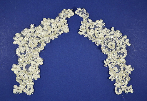 "4"" Wide x 9"" Long White Wholesale Venise Lace - Pack of 25 Venise Lace Collar Pairs"