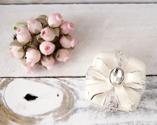 Squared Enamel Crystal Ring Box with Bow - 1 Box