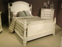 Inglewood Traditional Antique White Bed