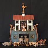 Wooden Noah's Ark - Round Bottom Shaker Barn Ark