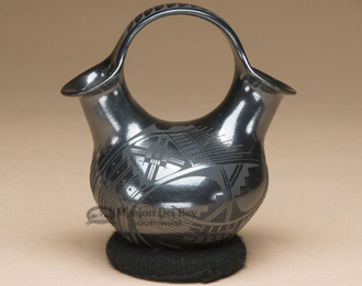 Mata Ortiz Pottery Wedding Vase by Fernando Gonzalez