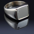 Gents 9ct Gold ring with Diamond