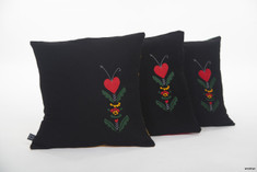 Woolisar - Cushions Kurbits Red