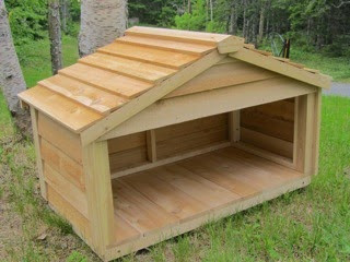 Medium Feeding Station - matches our outside insulated cedar cat houses!