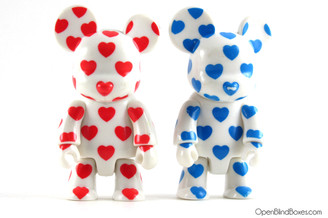 2008 Valentine's Day Hearts Qee Red and Blue Toy2R Front