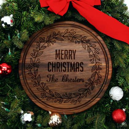 walnut-cutting-board-personalized-christmas-wreath-design