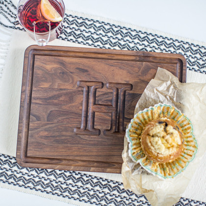 muffin-man-walnut-cutting-board-carved-initial-monogram-letter-1