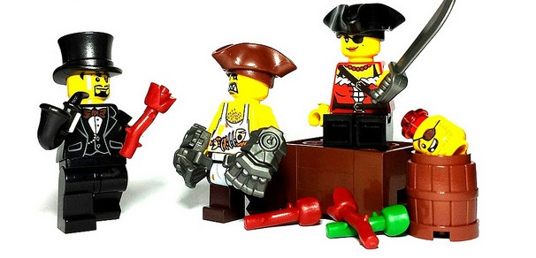 Custom LEGO Accessory Spotlight - Poison Rose