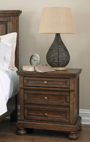 Flynnter Nightstand