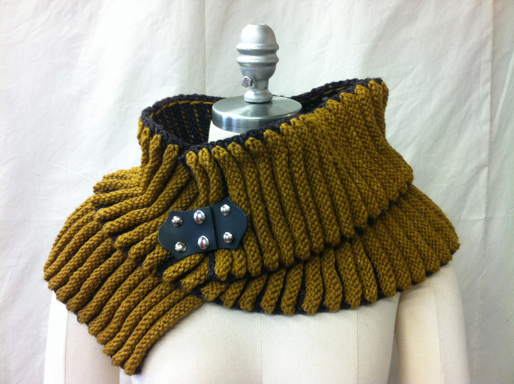 Dense Furrow - Baste with small pedestal buttons to form a collar