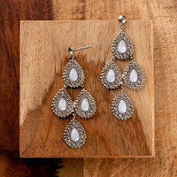 SEASIDE CRYSTAL EARRINGS BY SORRELLI~ECY42ASSEA