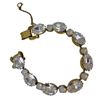 ***ONE OF A KIND***PEARL LUSTER  Crystal Bracelet by Sorrelli~BDH23AGPLU