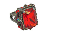 CRANBERRY  CRYSTAL RING by Sorrelli~RCK2ASCB