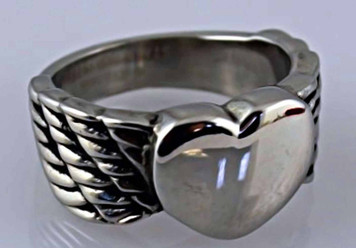 Ladies Winged Heart Ring