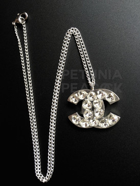 CHANEL HEART SHAPED CRYSTAL CC LOGO NECKLACE