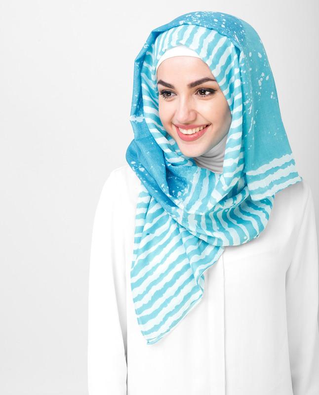White And Blue Print Stripe Bold Viscose Hijab