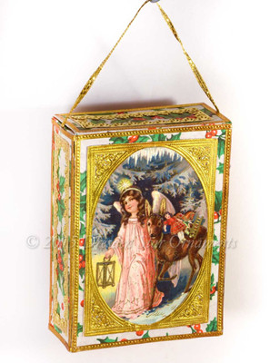 Beautiful Christ-Child and Deer on Gilded Holly Candy-Box  CC15007