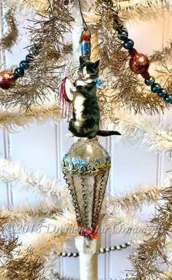 Kitty with Tambourine on Patriotic-Themed Victorian Parasol Ornament