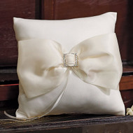 Duchess Ring Pillow by Beverly Clark