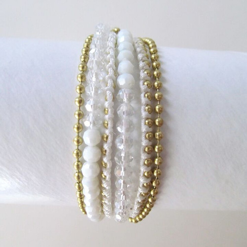 White Pearl and Gold Beaded Bracelet