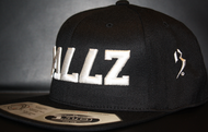 B477Z Black & White SNAPBACK SKU # 0258-0102
