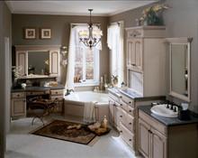 Kraftmaid Kitchen Cabinets -  Square Recessed Panel - Veneer (MKO) Oak in Cognac