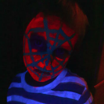 kelly-uv-glow-party-432238-350.jpg