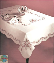 Design Works - Daisy Charm 50in x 70in Tablecloth
