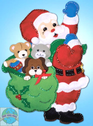 Design Works - Santa and Pals Wall Hanging