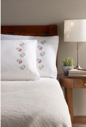 Plaid / Bucilla - Daisy Bouquet Pillowcases (2)