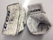 CCM Extreme Flex 2 Goalie Blocker Vaughn V6 2000 Catcher GUDLEVSKIS Syracuse Crunch Pro stock AHL