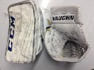 CCM Extreme Flex 2 Goalie Blocker Vaughn V6 2000 Catcher GUDLEVSKIS Syracuse Crunch Pro stock AHL  (3)