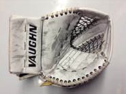 Vaughn Vision Goalie Glove WILCOX Syracuse Crunch Pro stock AHL (2)
