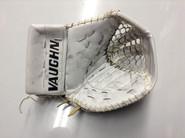 Vaughn V6 2000 Goalie Glove GUDLEVSKIS Syracuse Crunch Pro stock AHL (5)